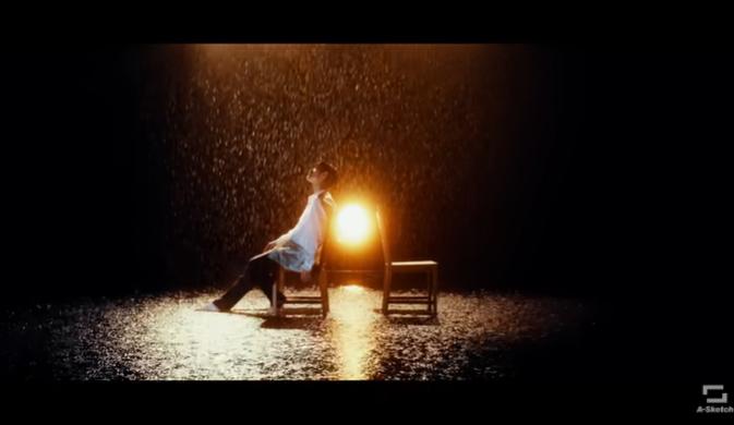 三浦春馬 MV Night Diver  椅子