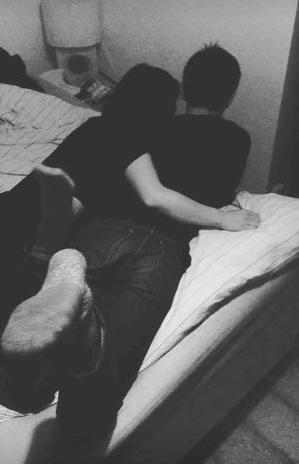 菅原小春 三浦春馬ベッドでラブラブ